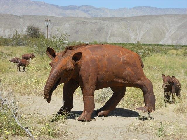 Borrego Springs life-size metal sculptures of prehistoric animals.